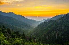 Mortons обозревает, большие закоптелые горы Стоковое фото RF