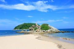Morza błękit Yanui plaża plaża w Rawai Tło obrazy stock