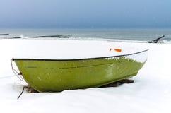 Morza Bałtyckiego wybrzeże w Ahrenshoop w zima czasie (Niemcy) Zdjęcie Royalty Free