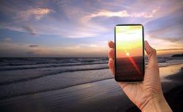 morza niebieskiego nieba piaska słońca światła dziennego relaksu krajobrazu plażowy punkt widzenia dla projekta kalendarza w Thai Zdjęcia Royalty Free