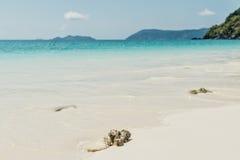 Morza niebieskiego nieba piaska słońca światła dziennego relaksu krajobrazu plażowy viewpo Zdjęcia Stock
