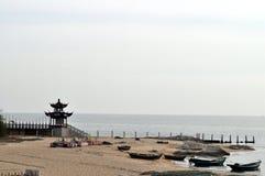Morza, plażowych i antycznych pawilony, obrazy stock