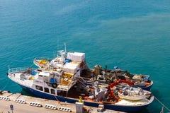 Morze łódź przy molo widokiem od above Chorwacja fotografia royalty free