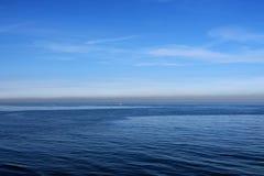 Morze błękit i niebo to samo obrazy stock