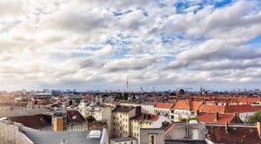 Morze Berlin domy z cloudscape Zdjęcia Stock