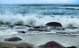 Morze fala fala rytm na skałach Obraz Royalty Free