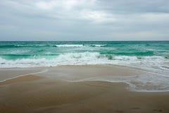 Morze fala i piasek plaża Chaweng plaża, Koh Samui Obraz Royalty Free