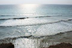 Morze fala, kipiel Skały i falezy morze czarne obrazy royalty free