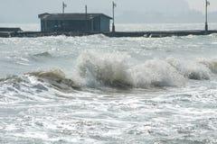 Morze fala na wietrznym dniu. Zdjęcia Stock