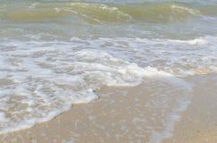 Morze fala przy morzem w lecie Obraz Stock