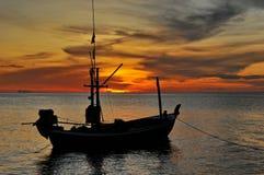 Morze i łódź Zdjęcia Stock