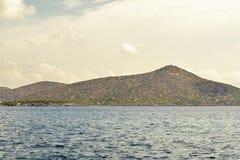 Morze i góra krajobraz Obrazy Stock