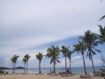 Morze i niebieskie niebo Obrazy Stock