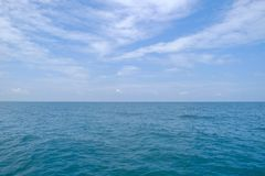 Morze i niebo na dniu, Seascape zatoka Tajlandia, w wschodzie Zdjęcie Stock