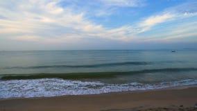Morze i niebo przy Nam Rin pla??, Rayong, Tajlandia zdjęcie wideo