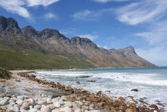 Morze i widok górski Fotografia Royalty Free