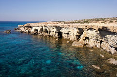 Morze jamy zbliżają przylądek Greko. Cypr obrazy stock