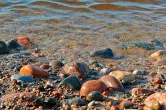 Morze kamienie, kamienie od morza, kamienie różny rozmiar i kolor, duzi i mali, Obraz Royalty Free