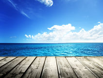 morze karaibskie i drewniany Obrazy Royalty Free