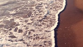 Morze macha na pla?y przy zmierzchem, lata seascape t?o zdjęcie wideo