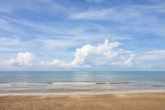 Morze niebo i piękne plaże zdjęcie stock