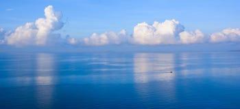 Morze przy wschodem słońca Obrazy Royalty Free