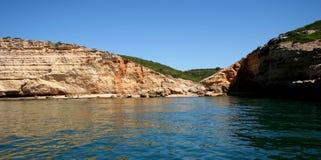 Morze przy wybrzeżem Algarve, Portugalia akcyjna fotografia Obrazy Royalty Free