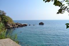 Morze Śródziemnomorskie blisko miasto Antalia Zdjęcia Royalty Free