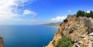 Morze Śródziemnomorskie - widok od fortecznego Alanya Obraz Stock
