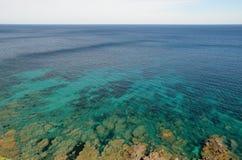 Morze Śródziemnomorskie blisko Korsykańskiego wybrzeża Fotografia Stock