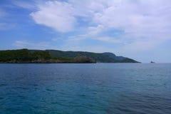 Morze Śródziemnomorskie, góra, chmurnieje Grecja Obraz Stock