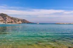 Morze Śródziemnomorskie na Francuskim Riviera Zdjęcia Royalty Free