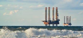 Morze stacja benzynowa produkcja w morzu Obrazy Royalty Free
