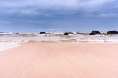 Morze w burzowym dniu Zdjęcia Royalty Free