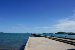 Morze w morze mola jutting Fotografia Stock
