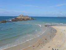 Morze wokoło St Malo w pięknym Bretagne, obraz royalty free