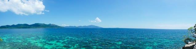 Morze z Lipe wyspą w Satun Tajlandia - panorama Obraz Royalty Free