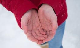 Mãos frias Fotos de Stock Royalty Free