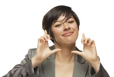 Mãos novas de sorriso da mulher adulta de raça misturada que quadro a cara Imagens de Stock Royalty Free