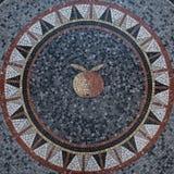 Mosaïque circulaire avec Apple au centre photographie stock libre de droits