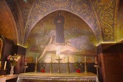 Mosaïque de crucifixion - église de la tombe sainte image stock