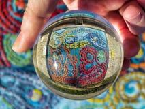 Mosaïque d'océan de boule en verre image libre de droits