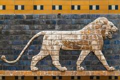 Mosaïque d'un lion sur la porte d'Ishtar Photographie stock libre de droits