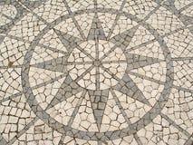 Mosaïque dans un trottoir portugais Images libres de droits