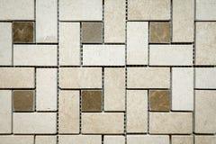 Mosaïque de marbre beige et brun sous forme de places et de rectangles image stock
