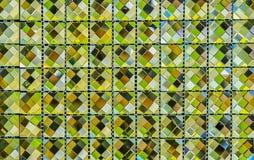 Mosaïque de verre vert pour la salle de bains photographie stock