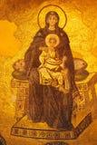mosaïque du 9ème siècle de la Vierge et de l'enfant du Christ sur l'abside d'Aya Sofya à Istanbul photos libres de droits