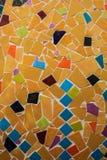 Mosaïque en céramique fabriquée à la main sur le mur photos libres de droits