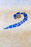 Mosaïque en céramique par Gaudi photo libre de droits