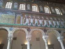 Mosaici in chiesa italiana immagini stock
